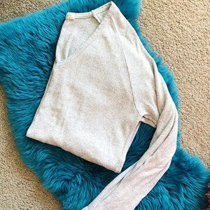 BRANDY MELVILLE SUPER SOFT COZY PULLOVER SWEATER
